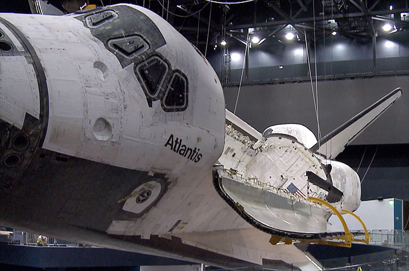 space-shuttle-atlantis-bay-doors
