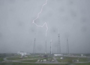 spacex_lightning_strike